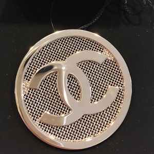 ❤️Auth Chanel new gold metal mesh brooch ❤️